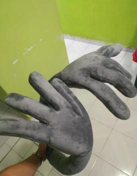 avis oreiller en forme de main